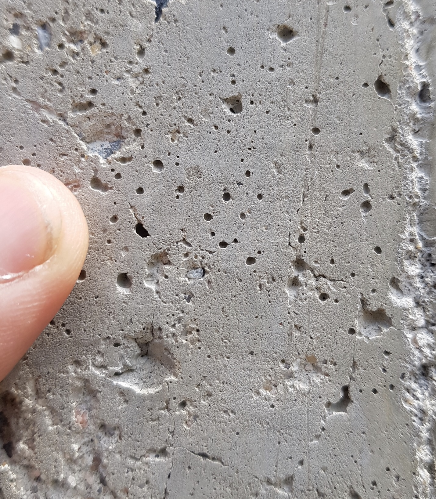 Epoxy primer application issues – air expanding from within concrete